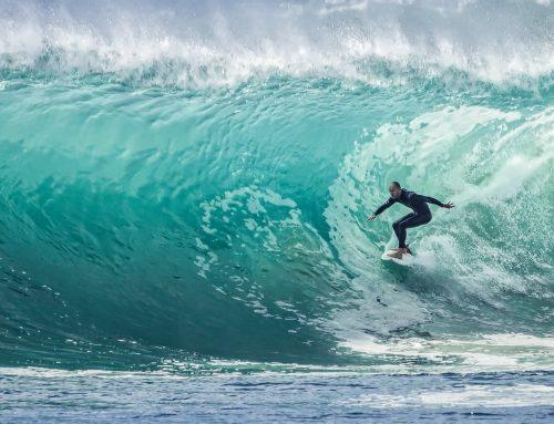 Gobernar en verso, surfear semana a semana